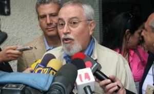Aveledo: Raúl Castro pide respeto, pues que aprenda a respetar