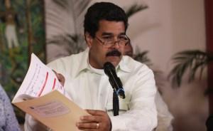 """""""Con un baño de solidaridad"""", Maduro regresa a Caracas"""