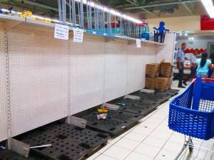 Papel sanitario brilla por su ausencia en los supermercados