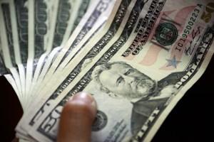 Cotización del dólar paralelo no bajará con el Sicad y Cadivi