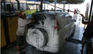 Ésto es lo que cobran los autolavados por un carro