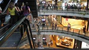 Suspenden medida de cierre de Centros Comerciales los días lunes