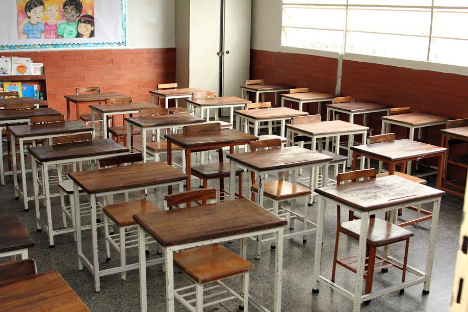 Maestros venezolanos aseguran que el paro educativo nacional se ha cumplido en un 80%