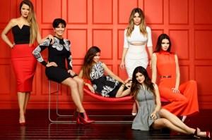 Aunque Halloween ya pasó… Esta Kardashian nos recuerda que se disfrazó de vaquerita sexy (UFFF)