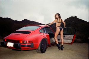 Nenas y Naves presenta: El regreso de la bella Amanda junto a otro hermoso Porsche