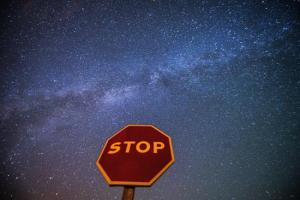 ABC: Los extraterrestres podrían estar viéndonos desde más de mil estrellas cercanas