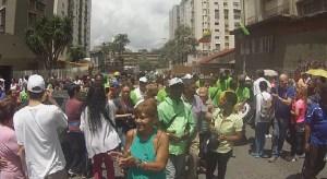 (Video y Fotos) San Juan también se bailó en la jornada de validación de firmas en Los Ruices