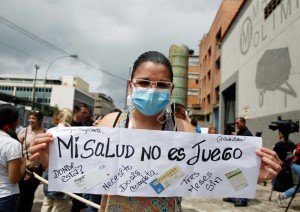 Trasplantados venezolanos emigran para evitar la muerte