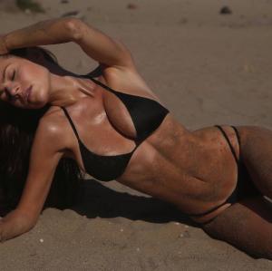 ¡AY CHAMO!… te retamos a que nos muestres una modelo más sensual y hot que Brianna ¿listos?