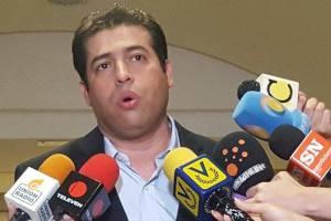 "Diputado Robert Alcalá recalcó que tiene excelente salud tras ""fake news"""