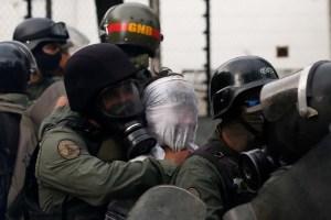 """La oposición venezolana liderada por Juan Guaidó instó a denunciar los """"crímenes de lesa humanidad"""" en Venezuela"""