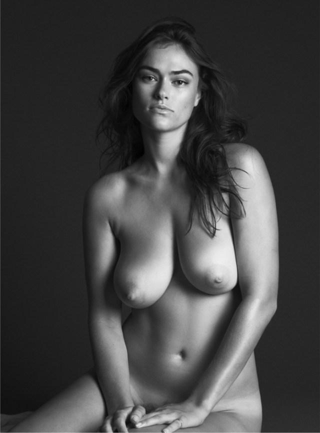 Myla Dalbesio - Unconditional Magazine (2)