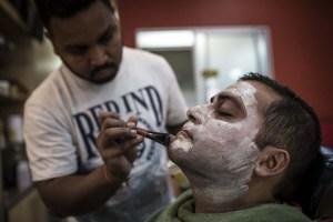 Los productos para blanquear la piel se ponen de moda en África (fotos)