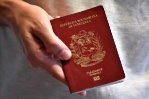 Venezolanos en siete países podrán solicitar el envío a domicilio de su prórroga de pasaporte (Videos)