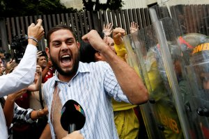 En medio de irregularidades, continuará juicio contra Juan Requesens #22Ene