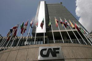 """Fitch rebajó la calificación de la Corporación Andina de Fomento a """"A+"""" con perspectiva negativa"""