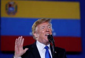 """Trump confirma contactos """"a muy alto nivel"""" con representantes de Venezuela (VIDEO)"""
