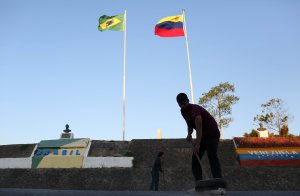 Gobierno de Brasil prohibe entrada a funcionarios del régimen de Maduro