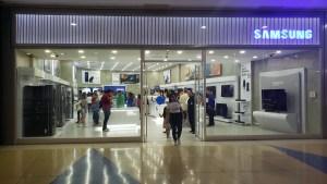 CLX Samsung reaperturó su tienda en Maracaibo