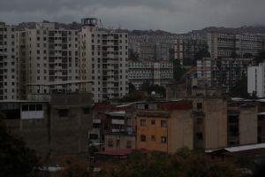 Varios edificios entre El Paraíso y San Martín llevan más de 30 horas sin luz