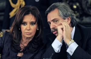 Kirchner encara un juicio por corrupción en medio de la campaña electoral argentina