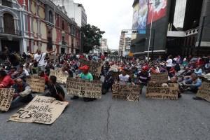 ¡SOS! Ex trabajadores petroleros exigen ser atendidos por Bachelet #20Jun (Fotos)