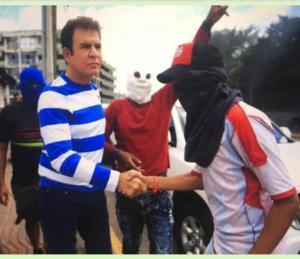 Salvador Nasralla y Manuel Zelaya encabezan protestas para derrocar al presidente hondureño Juan Orlando Hernández (Foto + Video)