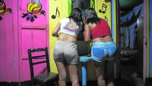 La crisis dispara la tasa de prostitución entre las jóvenes venezolanas