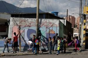 El arte callejero se instala en barrio caraqueño conocido por su violencia (Fotos)
