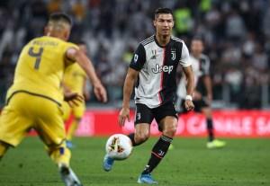 Un penalti de Cristiano Ronaldo le da el triunfo a la Juventus ante el Verona
