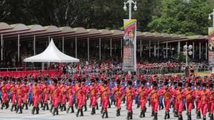 La FFAA venezolana se debate entre deserciones, órdenes improvisadas y amenazas de rebelión