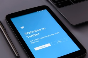 ¡Más allá de fakes news y censuras! Cómo ser un PRO en el uso efectivo de Twitter (MANUAL)