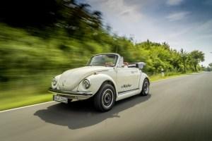 El adorado Volkswagen Escarabajo clásico… electrificado, silencioso y costoso (FOTOS)