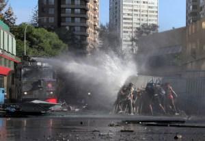 Suben a 15 los fallecidos en Chile en medio de las protestas en todo el país