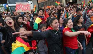 """""""No me da la gana vivir en dictadura como la venezolana"""": El grito en las protestas bolivianas (Video)"""