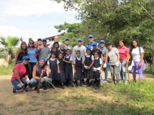 Bancamiga y Topotepuy construyen un Huerto para la Vida en una escuela en Petare