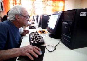Internet previene el deterioro cognitivo en la vejez