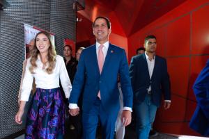 Fabiana y Guaidó recibieron el cariño de los estudiantes del colegio San Ignacio de Loyola (VIDEO)