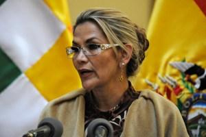 """Presidenta de Bolivia es """"asintomática"""" a Covid-19, dice su médico"""