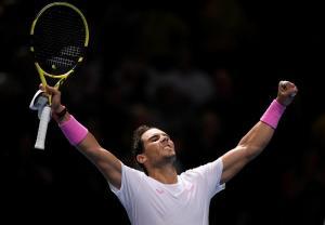 Nadal vence a Medvedev en tres sets y sigue con vida en ATP Finals