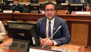 Diputado ecuatoriano Flores instó a Latinoamérica a reconocer la presidencia interina en Bolivia