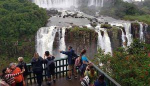 Cataratas de Iguaçu reciben récord de dos millones de visitantes en 2019