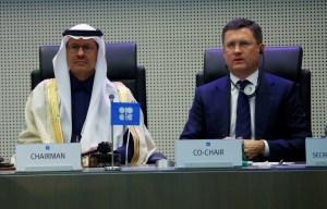 Arabia Saudita y Rusia logran mayores recortes de producción de crudo de Opep+