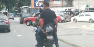 Así es como un funcionario de la GNB infringe la ley en plena vía #6Dic (Foto)