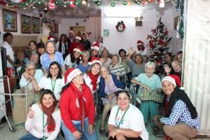 Voluntarios de Banesco celebraron la Navidad con adultos mayores
