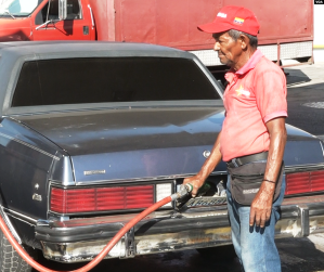 Pdvsa está preparando un plan de racionamiento de combustibles, aún con la demanda deprimida