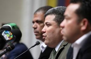 """¿Más show? La """"fracción Clap"""" fingió preocupación por la detención ilegal del diputado Ismael León"""