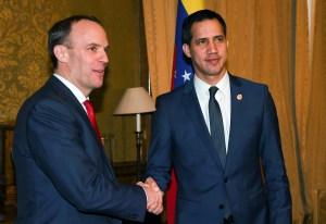 Guaidó pacta mayor cooperación para frenar enriquecimiento del régimen de Maduro en Reino Unido