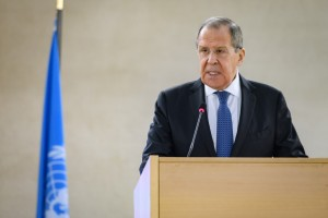 Lavrov cuestiona el proyecto de pasaportes de vacunación propuesto por la UE