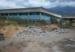 Las RUINAS millonarias del Hospital Oncológico de Guarenas, prometido en 2007 (FOTOS)